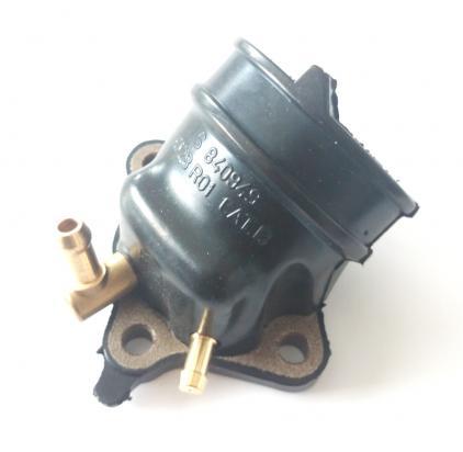 Derbi GP1 125 06 Gumové příruby mezi motor a karburátor (vstřik)