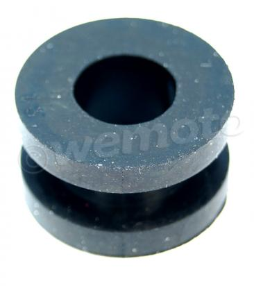 Suzuki GSXR 750 RK (RR) 89 Side Cover / Panel Fastening Grommet 18mm External 8.5mm Internal