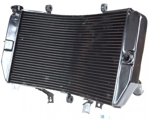 Suzuki GSXR 1000 K4 04 Radiator