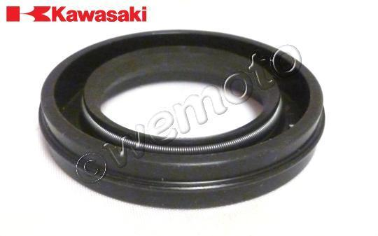Kawasaki Z 550 (KZ 550 A2) 81 Crank Left Hand Oil Seal