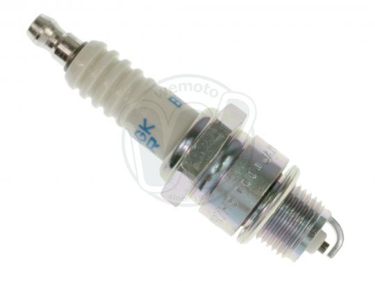 Aeon Cobra 110 Quad 06-10 Zapalovací svíčka NGK