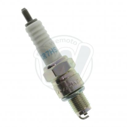 Honda CD 125 T  Benly (6 Volt) 78-79 Spark Plug NGK