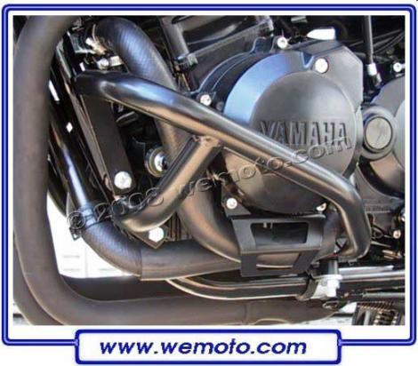 Picture of Yamaha FZS 600 Fazer 98-99 Engine Bars - Black