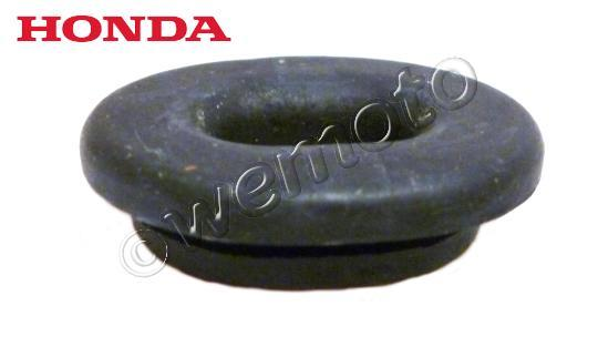 Picture of Honda XL 125 V4 Varadero 04 Side Cover / Panel Fastening Grommet Honda 83551-GE2-000  - 27mm Oval