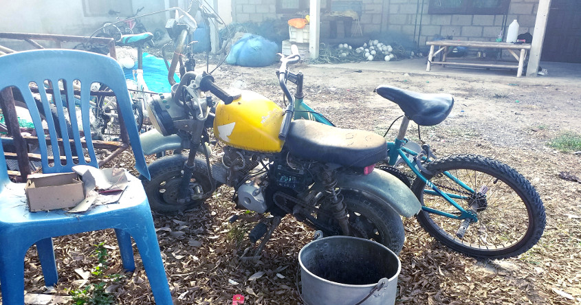NEWS: <B>BIKE OF THE WEEK</B> HEY HEY WE'RE THE MONKEES! OR MAYBE THE BEATLES... YES THE HONDA MONKEY MINI MOTORCYCLE BOTH OLD AND NEW !